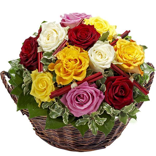Rosen im Weidekorb