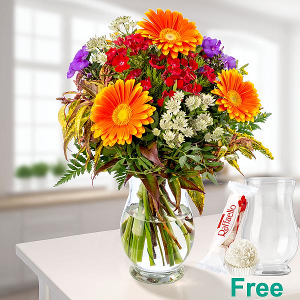 Flower Bouquet Sommerwiese with vase & Ferrero Raffaello