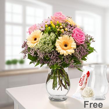 Flower Bouquet Ballade with vase & Ferrero Raffaello