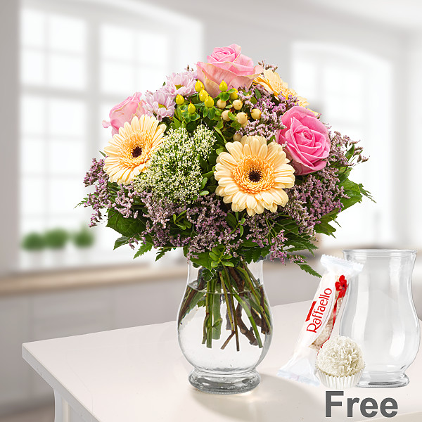 Flower Bouquet Ballade with vase & Ferrero Raffaello & GLÜCK Jam Raspberry