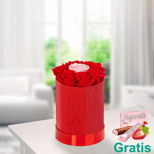 7 haltbare Rosen in roter Rundbox mit Ferrero Yogurette