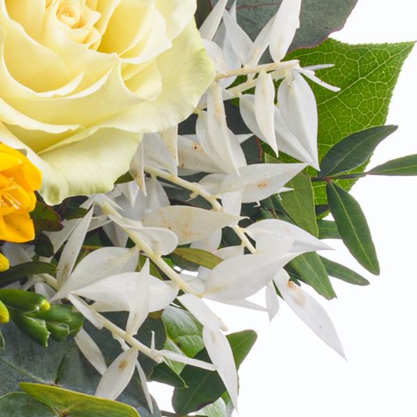 Flower Bouquet Sonnenbad with vase & Ferrero Raffaello