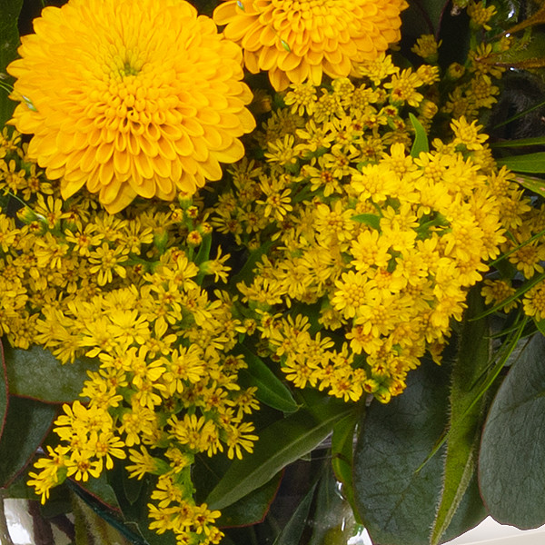 Meadow Bouquet Sommererwachen with vase & Ferrero Raffaello
