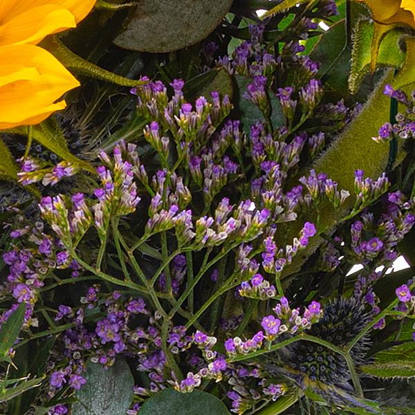 Meadow Bouquet Sonnenglanz with vase & Ferrero Raffaello
