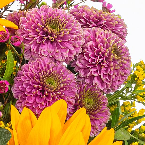 Flower Bouquet Herbstlichtung with vase & Ferrero Raffaello & GLÜCK Jam Raspberry