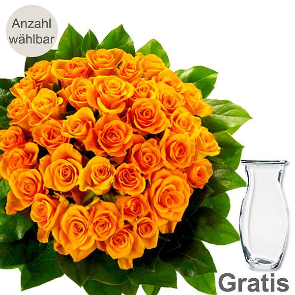 Orange Rosen als Strauß mit Vase