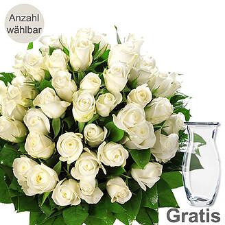 Weißer Rosenstrauß mit Vase