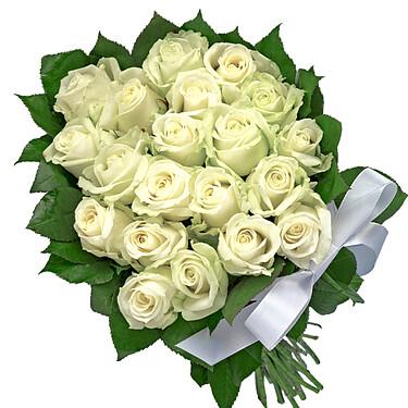 Weiße Rosen im Bund