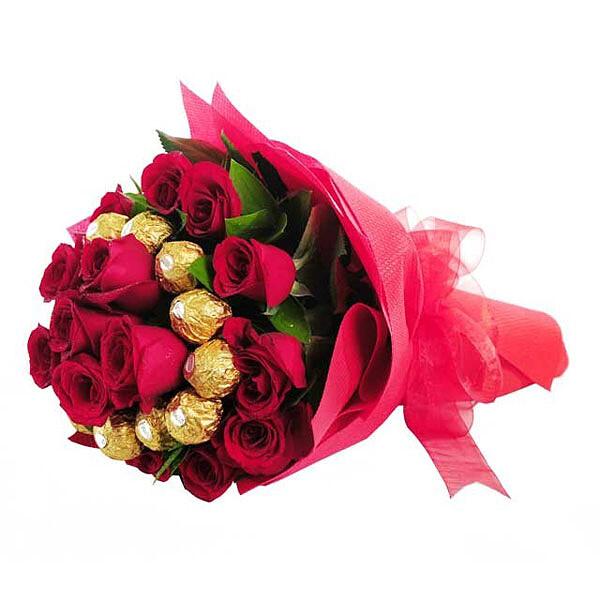 Rosenstrauß Rosenkuss